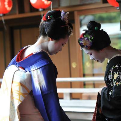 Satoryu san(left) and maiko,Satohana san of Kamishichiken