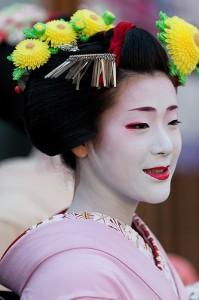 菊のかんざし 宮川町舞妓 ふく里さん